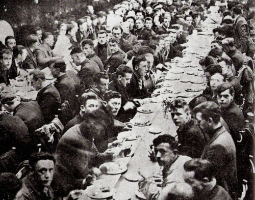 1st-meal-for-scottish-marchers-in-london-1934