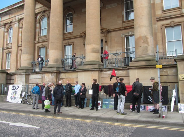 Court solidarity with Tony Cox in Dundee